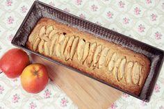 Der Apfel Haferflocken Kuchen ist ein super Nachtisch, der nicht so süß ist. Er lässt sich ganz leicht backen und sogar individuell aufpeppen.