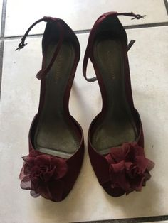 Ann Taylor Ankle Strap Flora Garland Red Satin Shoes Size 7.5 - Pre Owned