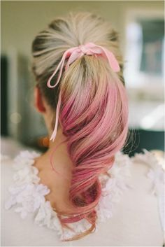 Love the look of this pastel ombre wedding day hairstyle.