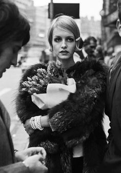 Twiggy London 1967 by Terry O'Neill