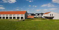 Met de auto komt u langs de mooiste plekjes van de provincie Groningen. Voor een landelijke overnachting houdt u halt bij Hotel-restaurant Aduard, op vijf kilometer van Groningen.