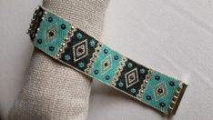I work with miyuki and swarovski materials Bead Loom Bracelets, Beading Needles, Loom Beading, Loom Patterns, Beading Patterns, Beading Ideas, Handmade Bracelets, Handmade Jewelry, Seed Beads
