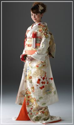 Traditional Kimono, Traditional Fashion, Traditional Outfits, Japanese Wedding Kimono, Japanese Kimono, Japanese Geisha, Japanese Art, Kaftan, Japanese Costume