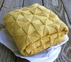 Hand Knitting Tutorials: Soft-as-a-Cloud Baby Afghan - Free Pattern                                                                                                                                                                                 Más