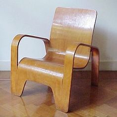 LaWo I chair. Designed by Han Pieck in 1946.