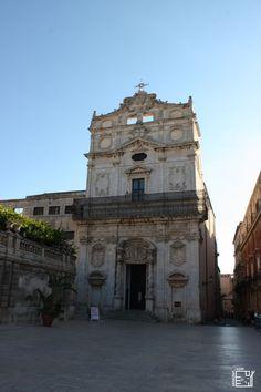 Discover Sicily: Santa Lucia alla Badia Church, Syracuse Santa Lucia, Sicily, Cool Places To Visit, Trekking, Mount Rushmore, Europe, Mountains, Travel, Viajes
