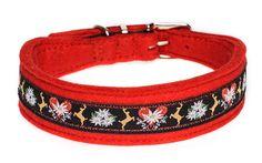 Tradition modern interpretiert: Dieses charmante Halsband aus Filz besticht durch seine wunderschöne Borte. Breite ca. 3.5 cm, in verschiedenen Filzfarben erhältlich.