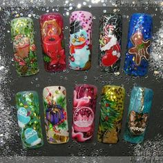 With Christmas around the corner just look at these nail tip designs! Polycolor nail art paints are just so workable with the small detailing brush tips needed to create such designs. We always recommend using genuien Kolinsky / Red Sable nail art brushes for this kind of work.