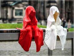 Sculpture by Manfred ♥ d red n white