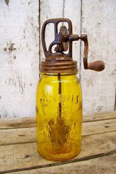 Antique Style 1858 Amber Glass Mason Fruit Jar Butter Churn Vtg Style Farm Decor Décor Antique, Antique Items, Antique Decor, Mason Jar Crafts, Mason Jar Lamp, Ball Mason Jars, Antique Bottles, Antique Glassware, Vintage Bottles