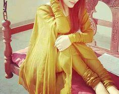 Dp by shao Cute Girl Poses, Senior Girl Poses, Girl Photo Poses, Girls Dp Stylish, Stylish Girl Images, Punjabi Girls, Punjabi Suits, Girl Fashion, Fashion Dresses