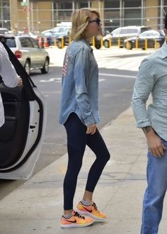 Taylor Swift Headed to the Gym in New York City 08-31-2016