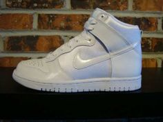 nike-womens-sneakers-april-2009-releases-11.jpg (520×390)