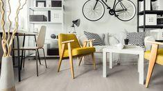 Kapealankkuinen Amazone 3597 Timeless Oak Beige on tämän kevään uutuusmallimme. Amazone sarjan 10mm:n ja KL33 laminaatit ovat erittäin laadukkaita ja kestäviä tuotteita niin koteihin kuin julkisiin tiloihinkin.   #karitma #laminaatti #lattia Herringbone, Beige, Dining Table, Studio, Amazon, Furniture, Vintage, Home Decor, Pimples