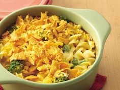 Cheesy Noodle Casserole - meatless, six-ingredient casserole.  (You could add chicken, tuna, etc...) #noodle #casserole #recipes #foods