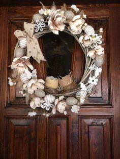 Veľkonočné :), Veľkonočné dekorácie | Artmama.sk Grapevine Wreath, Burlap Wreath, Grape Vines, Origami, Fall, Home Decor, Scrappy Quilts, Creative, Autumn