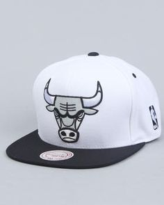 For sports fan. Chicago Bulls snapback for the boyfriend