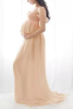 Beautiful Maternity Dresses, Maternity Dresses For Baby Shower, Beautiful Outfits, Photography Props, Maternity Photography, Fashion Illustration Poses, Pregnancy Dress, Dresses For Pregnant Women, Maternity Outfits
