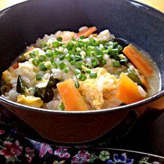 おはようございます♪ 褒めて頂き、ありがとうございます。m(__)m♪ 温まってお腹もいっぱいになりました…(^o^)/♪ - 39件のもぐもぐ - お味噌汁のリメイク★たまご雑炊 by Hiromiromi