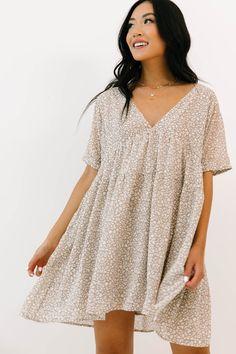 Cute Dresses, Casual Dresses, Cute Outfits, Warm Dresses, Casual Outfits, Skandinavian Fashion, Spring Summer Fashion, Spring Outfits, Looks Style