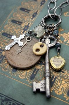 """Another necklace idea... I love the idea of taking """"worthless"""" odds & ends and making something cool & trendy. :)"""
