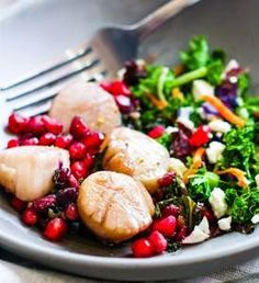 EASY Maple Balsamic-Glazed Scallop Recipe with Pomegranates! One pan and 10 minutes is all you need for this Healthy Maple Balsamic-Glazed Scallops Recipe. perfect for a date night in or to impress anyone really Gluten Free Meal Plan, Free Meal Plans, High Protein Recipes, Gluten Free Recipes, Healthy Recipes, Easy Recipes, Seafood Recipes, Dinner Recipes, Dinner Ideas