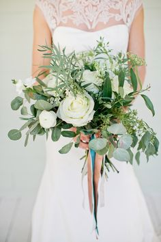 Greenery and shape style for bride bouquet.