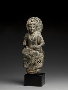 A schist figure of a Bodhisattva Ancient region of Gandhara, 3rd/4th century 11-1/4 in.(彌勒菩薩)
