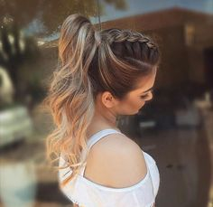 It can be quite a hard situation that you should pick the hairstyle for the your special situation so we are giving a brief account of the finest wedding hairstyles which will never walk out of fashion. Wedding Bun Hairstyles, Braided Ponytail Hairstyles, Dance Hairstyles, Homecoming Hairstyles, Party Hairstyles, Weave Hairstyles, Cool Hairstyles, Layered Hairstyle, Braid Ponytail