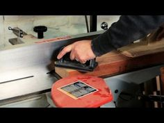 TV BREAKING NEWS Woodworking Tools: How to Use a Jointer - http://tvnews.me/woodworking-tools-how-to-use-a-jointer/