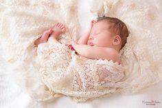 Pur-Love, Newbornphotographie, Neugeborenenfotografie, Newborn, Baby, Babyfotograf, Duisburg, Duesseldorf www.fotomagico.de