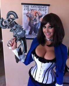 Plutôt pas mal Miss Fortune non ? Déjà le 285éme cosplay, plus que 15 et vous aurez droit à une sexy ultra mega sexy. En attendant il faut que vous soyez s