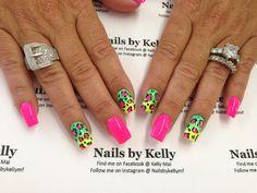 Neon cheetah nails art