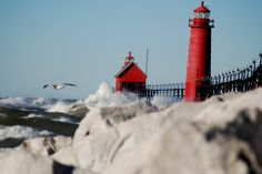 Grand Haven, Michigan Lighthouse  Photo by Shelly Vandlen  http://lighthouse.boatnerd.com/gallery/Michigan/grandhaven.htm