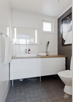 Bathroom Toilets, Laundry In Bathroom, Beautiful Houses Interior, Apartment Layout, Home Spa, Beautiful Bathrooms, Bathroom Inspiration, New Homes, House Design