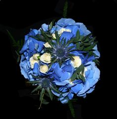 blue hydrangea with thistle white spray roses blue delphinium Blue Delphinium, Blue Hydrangea, Thistle Wedding, White Spray Roses, Robin, Texture, Color, Surface Finish, Robins