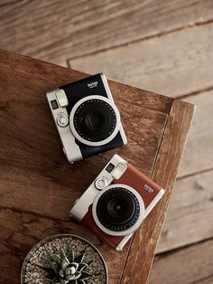Instax Mini 90 vs Polaroid who wins? Polaroid wins if you want to play it safe. Instax Mini 90 wins if you plan to use it a lot.