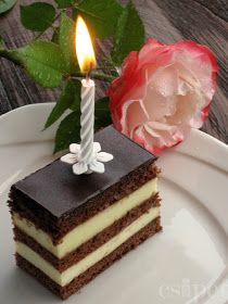 egycsipet: Zsuzsi szelet Hungarian Cake, Hungarian Recipes, Hungarian Food, Biscotti, Sweet Recipes, Birthday Candles, Dessert Recipes, Food And Drink, Cooking Recipes