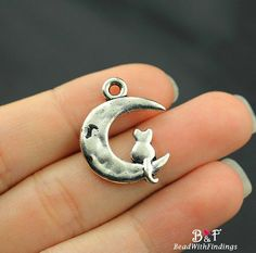FREE SHIPPING  10 Moon With Cat Charms Pendant by BeadWithFindings
