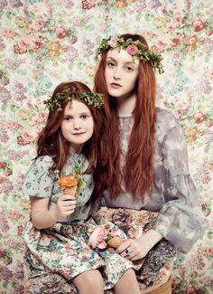 #milkmazine #motheranddaughter #flowers