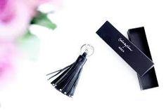 Bilderesultat for nøkkelringer louis vuitton Louis Vuitton, Drop Earrings, Jewelry, Fashion, Moda, Louise Vuitton, Jewels, Fashion Styles, Schmuck