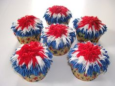 4th of July firework cupcakes. These are so fun, look fairly easy to make too!