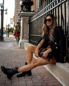 Combat Boot Outfits, Black Combat Boots, Chic Outfits, Fall Outfits, Summer Outfits, Work Outfits, Trendy Outfits, Summer Boots Outfit, Skinny Leather Pants