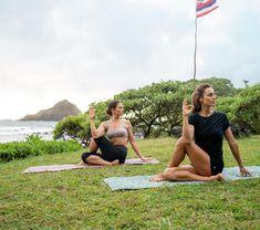 Trois torsions de yoga pour aider la détox Yoga Detox, Hot Yoga, Zen, Couple Photos, Couples, Sports, Morning Yoga, Yoga For Beginners, Yoga Workouts