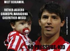 Sergio Kun Aguero and his son Benjamin. Soccer Memes, Soccer Quotes, Football Memes, Funny Soccer, Funny Sports, Funny Minion, Funny Images, Funny Photos, Best Funny Pictures