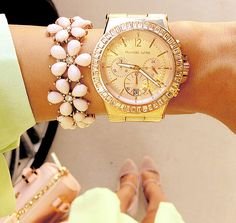 Michael Kors stylish Watches are making an incredible addition to any outfit, as Michael kors watches and lots of bracelets (especially in gold! Cute Jewelry, Jewelry Accessories, Fashion Accessories, Fashion Jewelry, Jewlery, Trendy Accessories, Gold Jewellery, Southern Curls And Pearls, Pastel Outfit