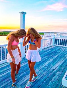 Preppy Summer Outfits, Preppy Girl, Preppy Style, Cute Outfits, Summer Girls, Cute Friend Pictures, Harry Potter, Summer Photos, Friend Photography