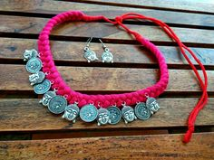 Textile Jewelry, Fabric Jewelry, Thread Jewellery, Silver Jewellery, Handmade Beaded Jewelry, Jewelry Crafts, Jewelry Art, Fashion Jewelry, Accessories