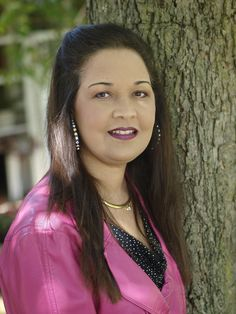 """After receiving a diagnosis of Lupus as a teenager, Tina continued to pursue her dreams and battle against her body's slow destruction of her kidneys. With the support of her """"Divas"""" and family, Tina not only worked to find her second chance a life through a kidney transplant but also brought awareness and education about the importance of organ donation to her community: the Lumbee tribe. https://www.donatelifenc.org/blog/faith-support-network-kept-me-positive #DonateLife"""