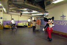 Disney Travel Tips from Mouseketrips: The Mouse Behind the Curtain (Disney Dispatch)